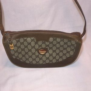 Vintage Gucci Shoulder Bag. GG monogrammed.